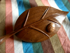 wooden leaf pin